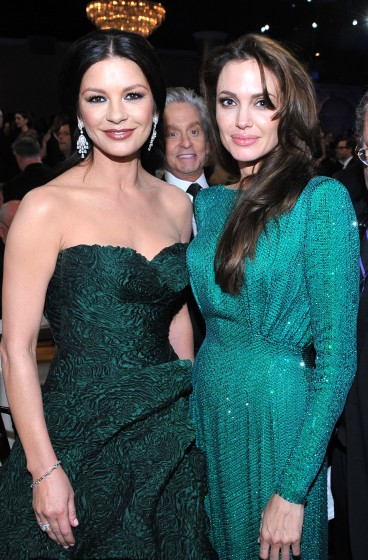 celebrity-photobombs-9-368x560